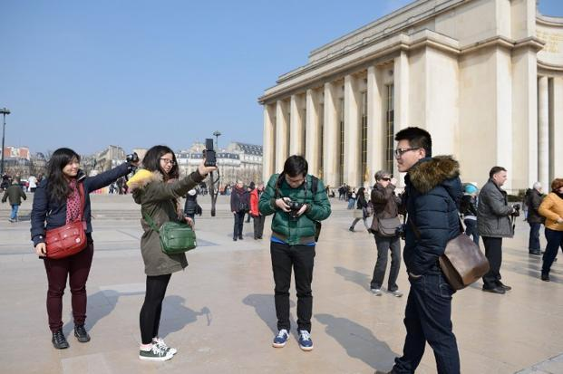 chinese_tourists--621x414