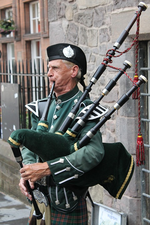 bagpipes-215549_960_720